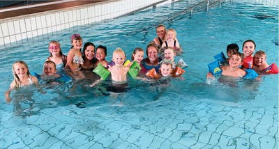 Bø blad har mellom anna undersøkt kva barnehagar som har nytta seg av tilskottet til bassengtrening. Foto: Privat
